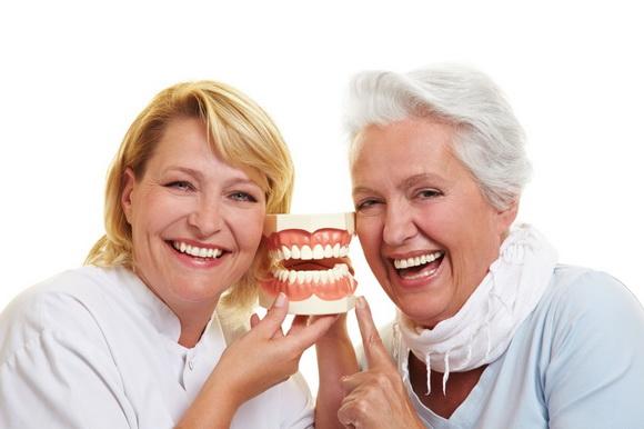 Hàm răng giả tháo lắp – Ưu đãi lên tới 50%